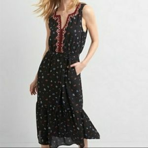 GAP black floral embroidered ruffle midi dress